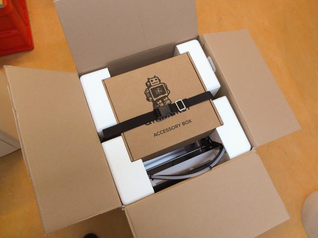 UM2+ im Karton